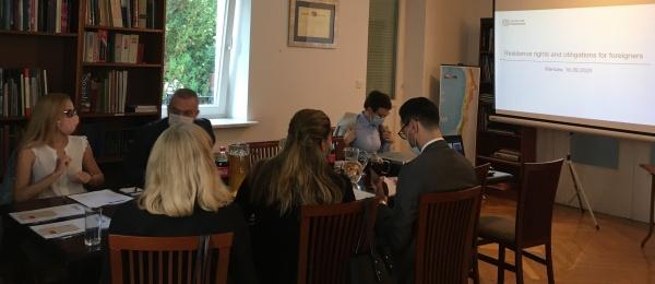 La sección consular de la Embajada de Colombia en Polonia lideró con las autoridades Migratorias de Polonia y con el apoyo de los consulados hispanoamericanos en Varsovia