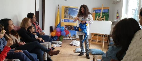 Colombianos en Polonia participaron en el taller de higiene oral programado por el Consulado de Colombia