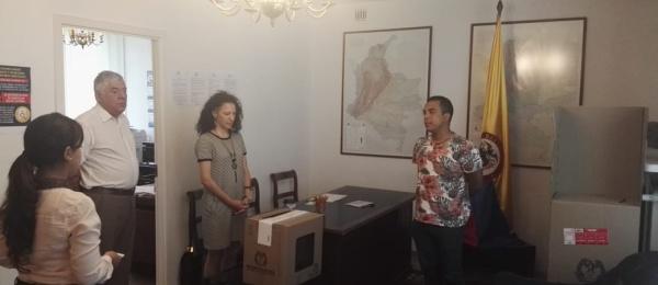 Inició la jornada electoral presidencial 2018 para la segunda vuelta en el Consulado de Colombia en Varsovia